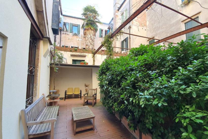 Saint Marc appartement CANAL et PATIO à louer